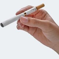 Одна сигарета на женщину влияет, как пять сигарет на мужчину